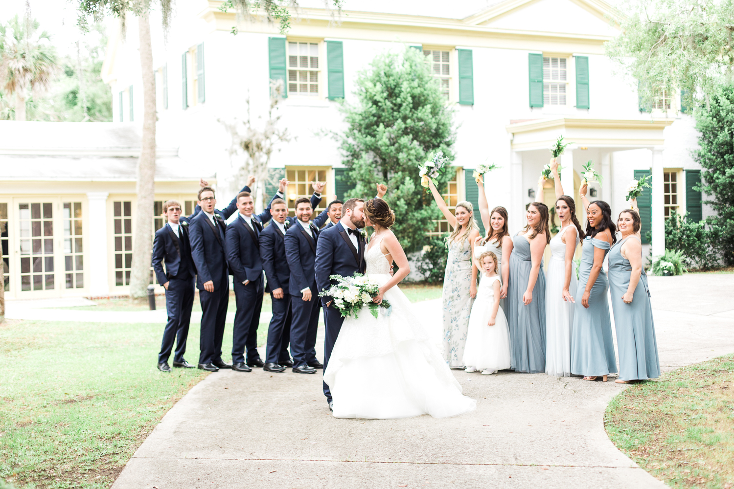bridal party picture ideas in the ribault club