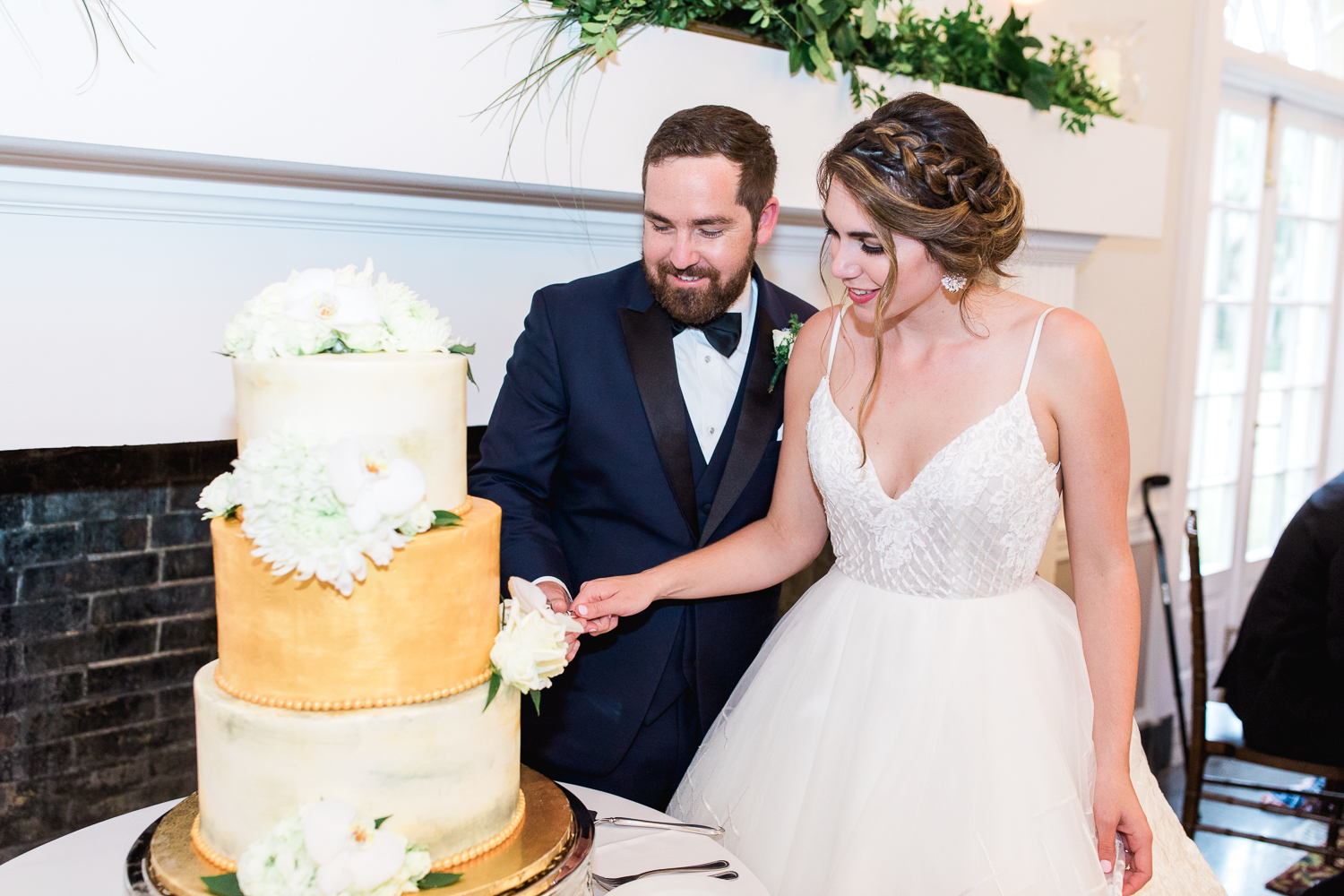 cake cutting pictures