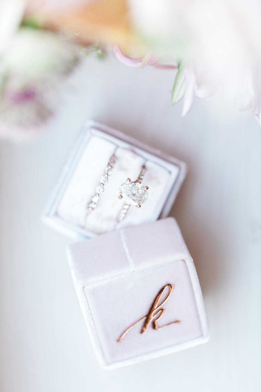 Mr & Mrs box wedding rings