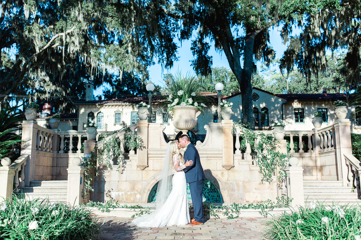 stunning mediterranean style fall wedding in epping forest yacht club in jacksonville fl