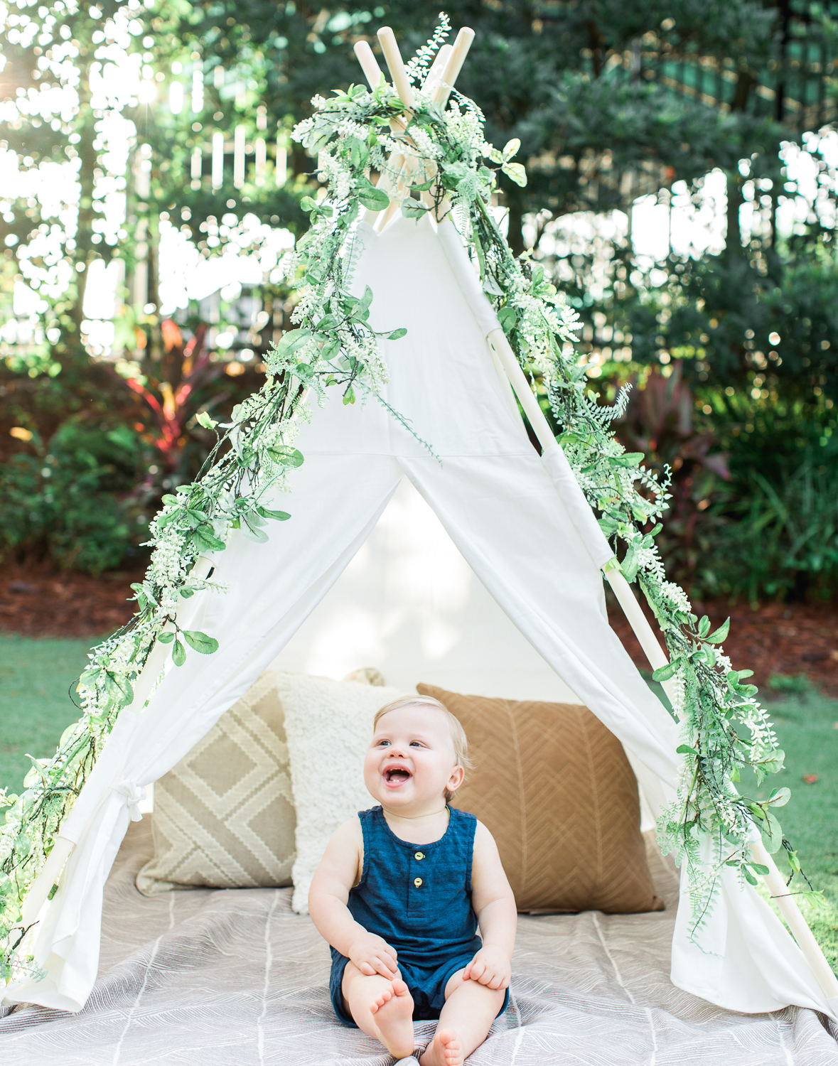 first birthday session and boy picture ideas with teepee tent