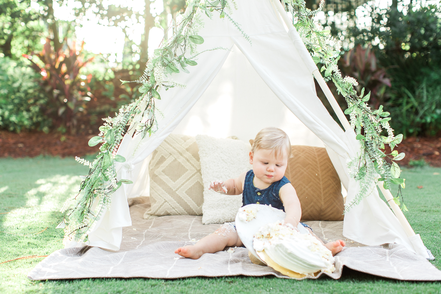 first birthday picture ideas outdoors