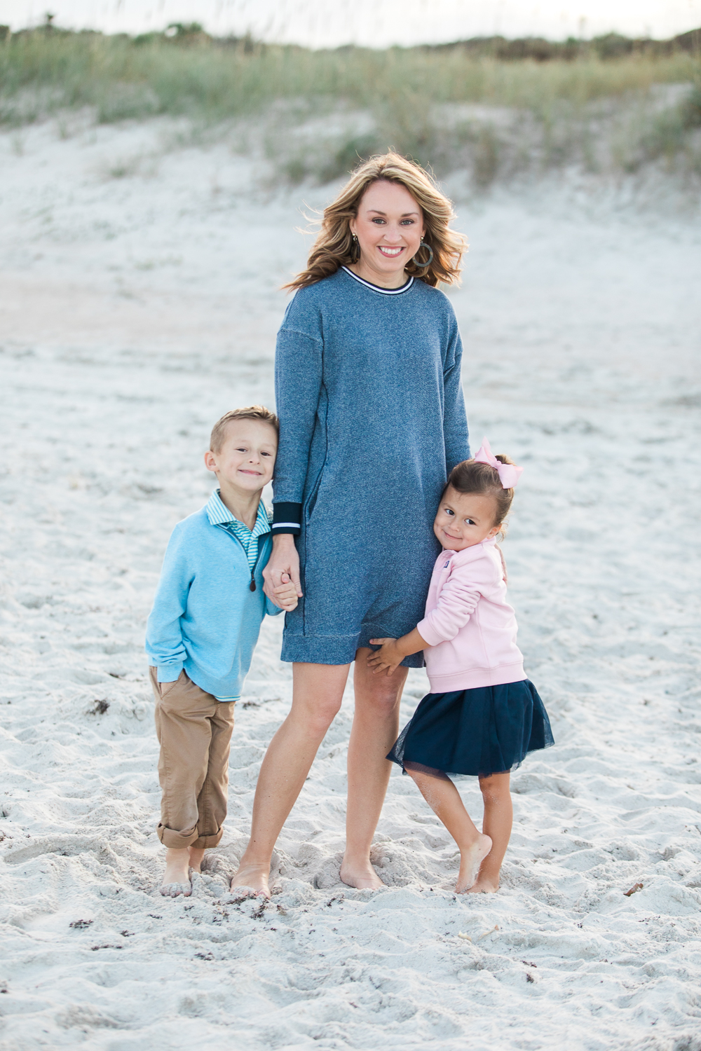 mommy and kids at the beach in Hanna park