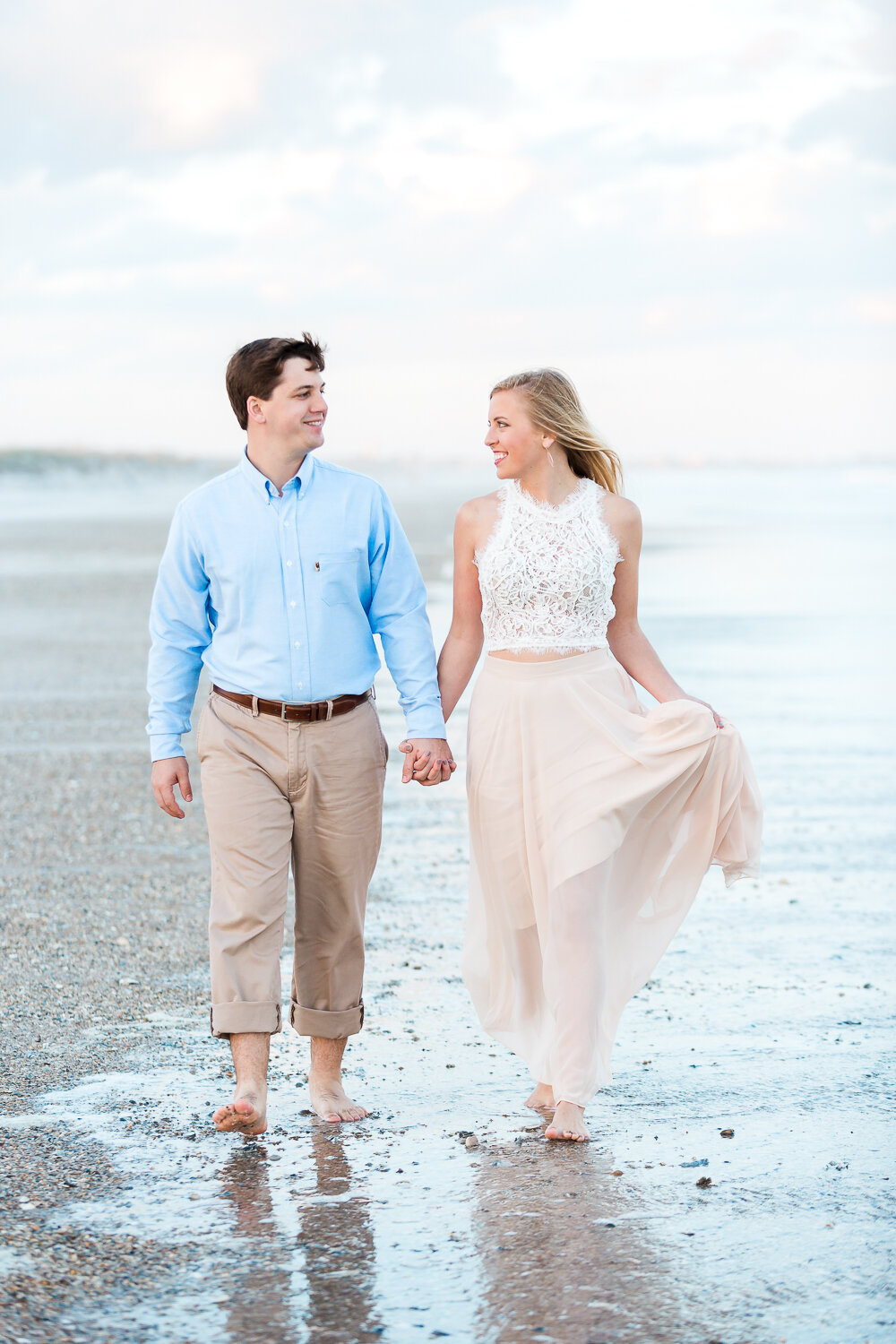 engagement session inspiration in one of the best photoshoot locations in town - Hanna Park