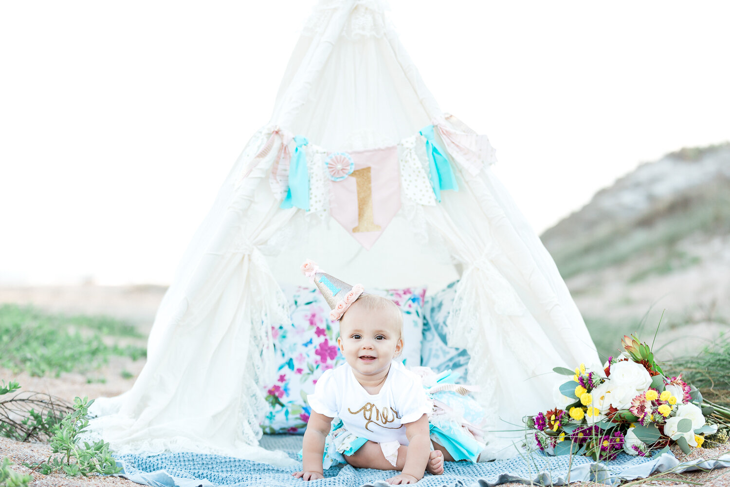 First birthday session with a teepee tent in Guana beach