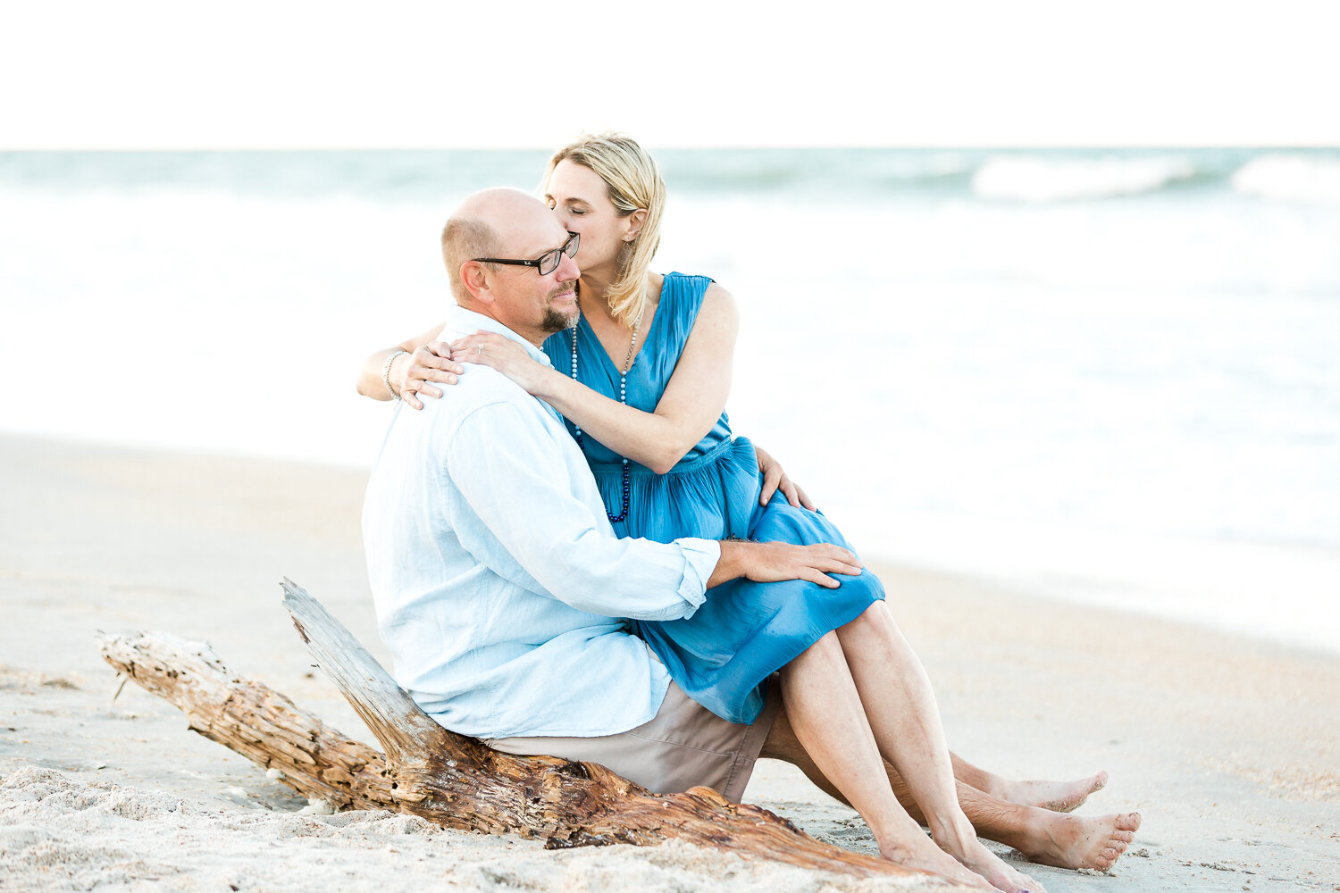 couple engagement picture ideas in Guana beach during sunset