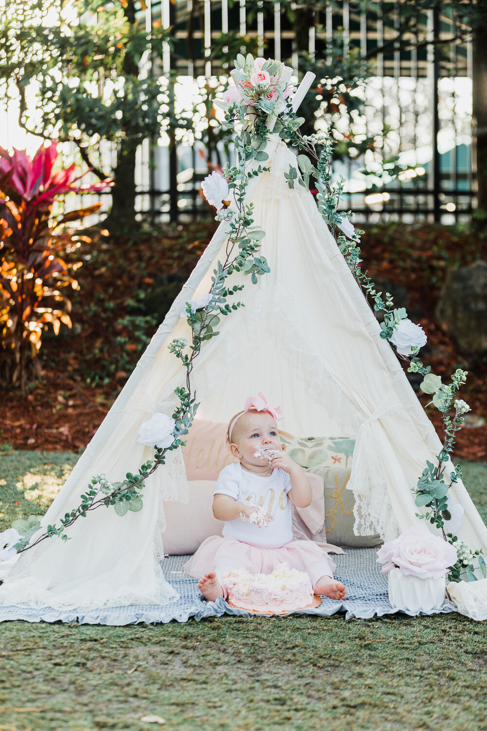first birthday cake smash photoshoot in jacksonville golf and country club