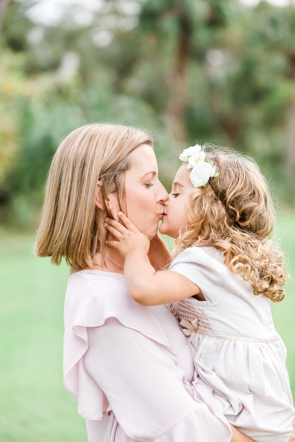 mommy-daughter picture inspiration in Nocatee-s 20 mile park