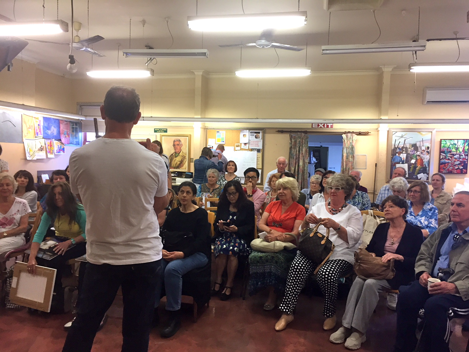 a packed house at the RAS with Ken Knight.JPG
