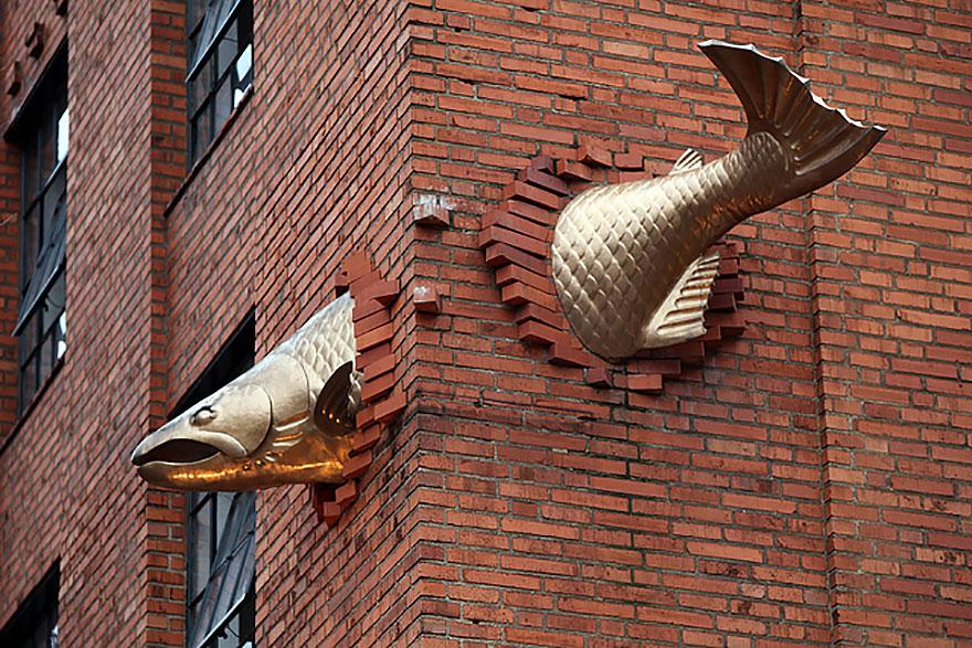 La escultura del Salmon, Portland, Oregon, USA