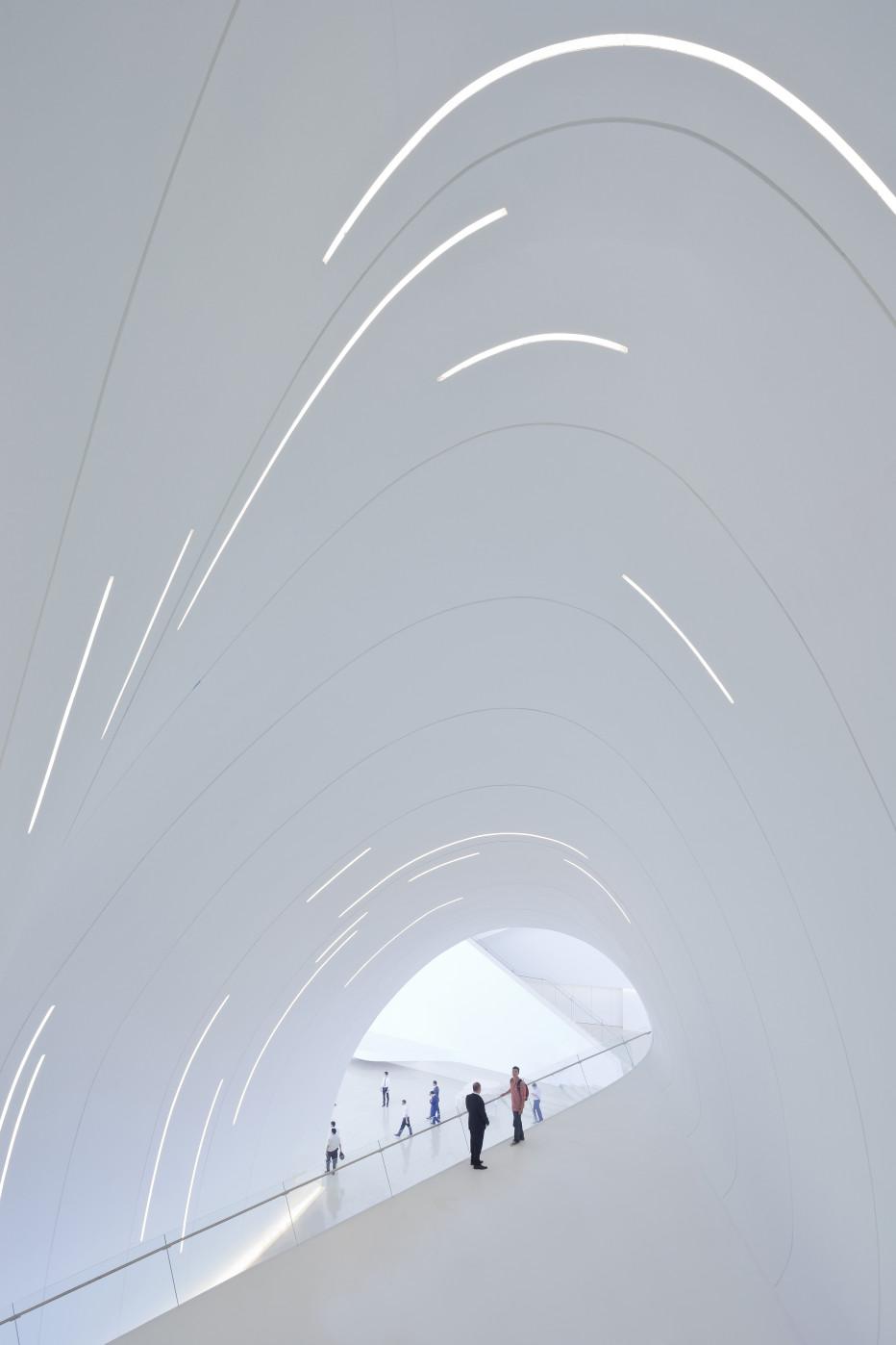 Otra vista del interior del Haydar Aliyev Center