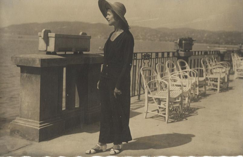 1923a.jpg