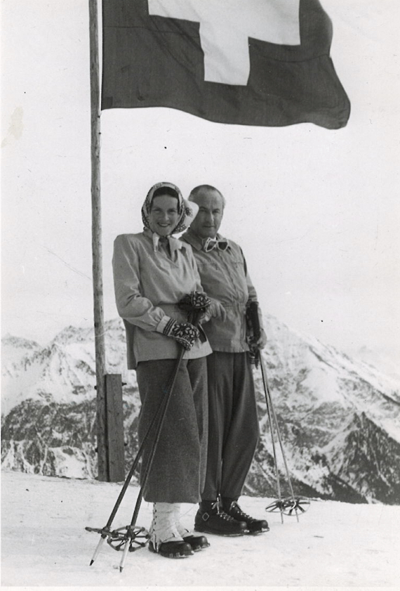 1946a.jpg