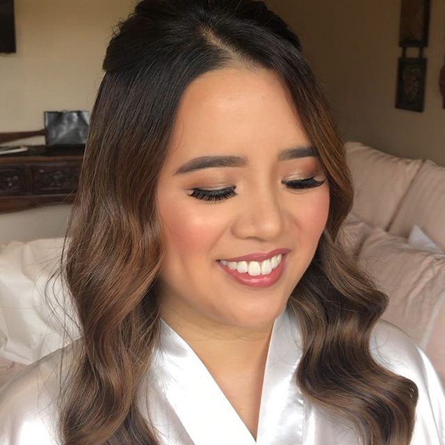 My gorgeous girl @kaychannie got married yesterday & I was lucky enough to be her MUA 😍 Congrats my love! Hair by the amazing @hairbyjc ⠀⠀⠀⠀⠀⠀⠀⠀⠀ #weddingmakeup #weddingday #aleonglove #weddedwonderland #wakeupandmakeup #anastasiabeverlyhills #bridalmakeup #bride #melbournewedding
