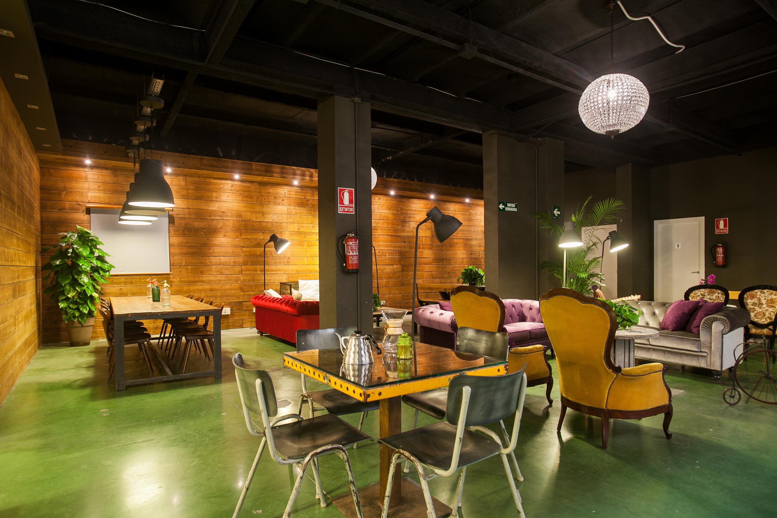Lounge - ValkiriaHubSpace - GuíaSingular.jpg