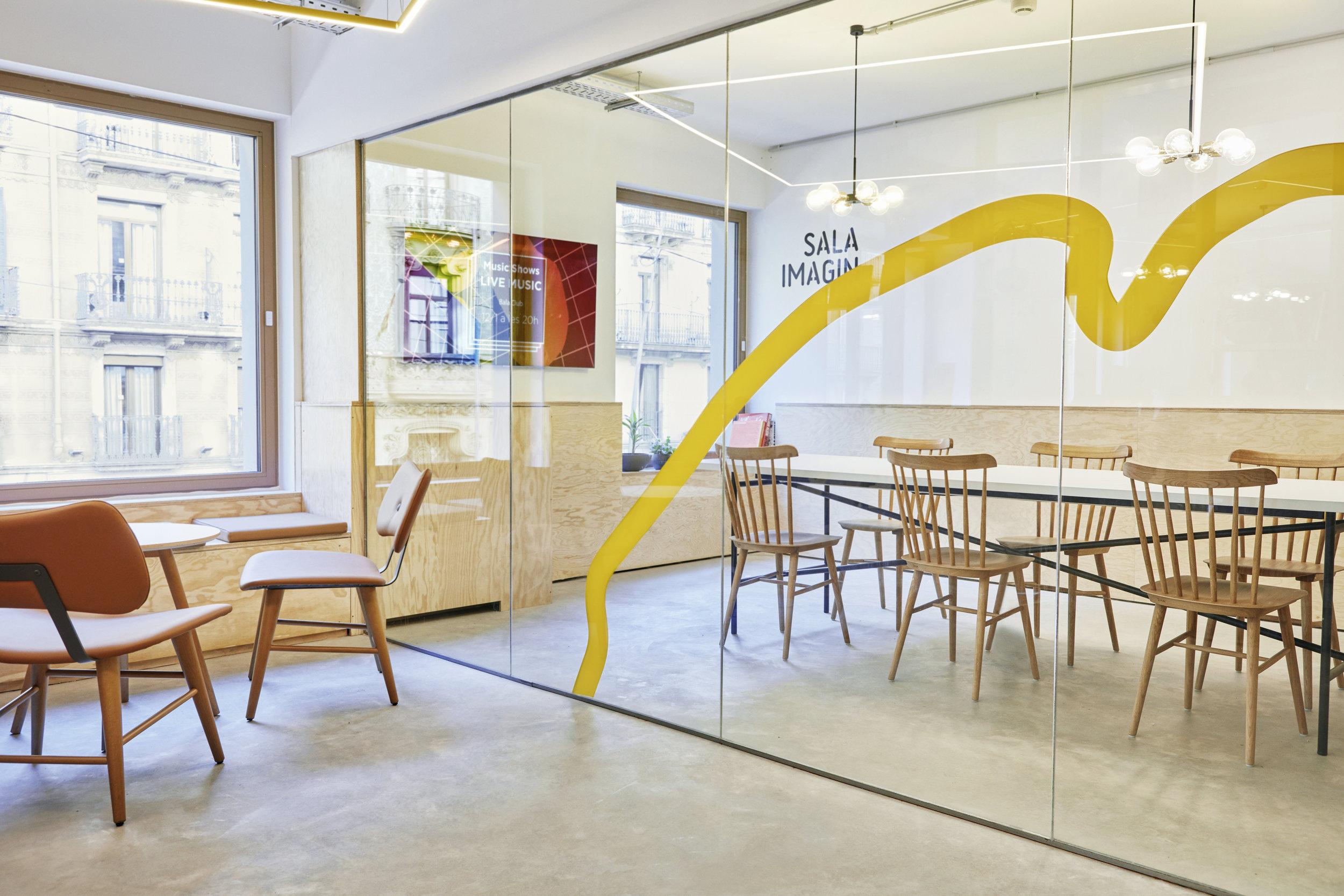 Sala Imagin, donde hasta 10 personas pueden reunirse, trabajar o idear un nuevo proyecto.