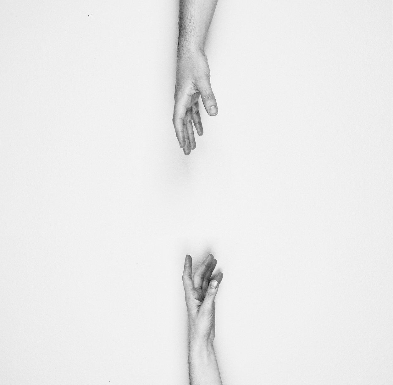 people-hands-reaching-2577986_1250.png
