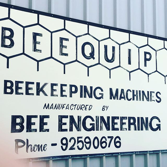In any great primary industry there are usually some really clever engineers helping us all get better at what we do. This legend and gentleman is one of those- Thanks for taking 20 to chat stuff through. #beequip #decapper #beeengineering  #beehive #nucleus #nuchive #startbeekeeping #beekeeping #honeybee #apismellifera #superqueen #southwestbees #honey #honeyflow #beekeeper #margaretriver #margaretriverregion #margaretriverhoney #themargaretriverhoneyco #bestbees #lovemyjob #beesting #bees #bee #honeys #springtime