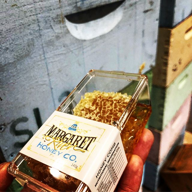 Nothing is as pure and unadulterated as honey in the wax comb... keep it simple between the hive and the jar. . . #honeycomb #beehive #simplefoods #nucleus #nuchive #startbeekeeping #beekeepingparadise #beekeeping #honeybee #apismellifera #superqueen #southwestbees #honey #honeyflow #beekeeper #margaretriver #margaretriverregion #margaretriverhoney #themargaretriverhoneyco #bestbees #lovemyjob #beesting #bees #bee #honeys #springtime #apicentric