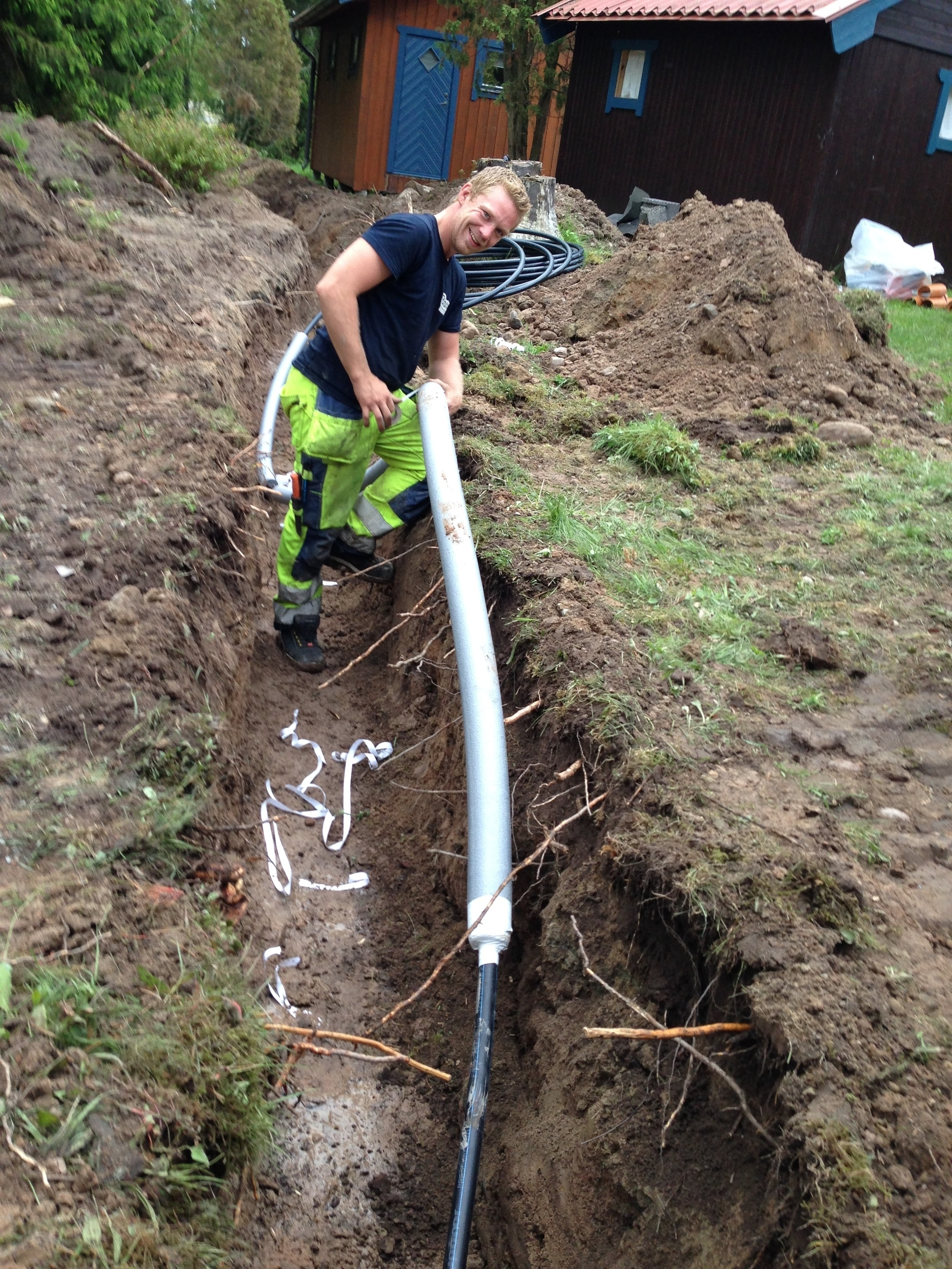 Pumpning via PEM slang 32mm, schaktning frostfritt ca: 80cm.