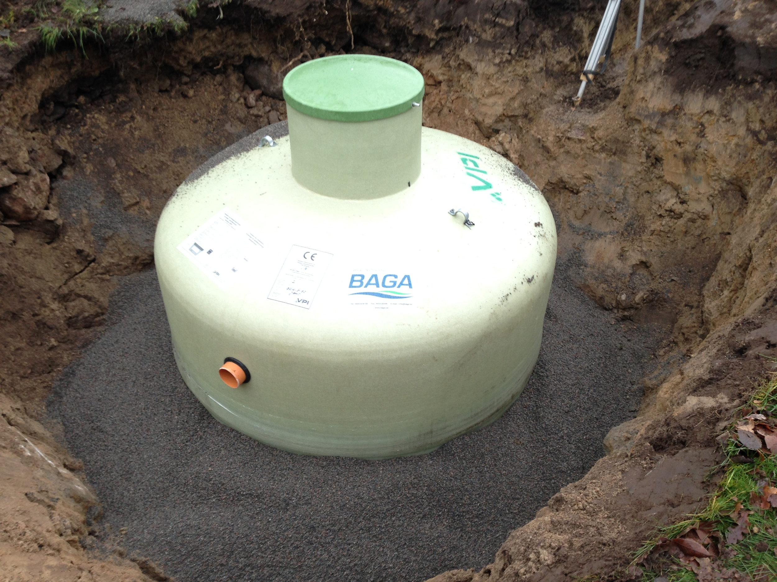 Slamavskiljare Baga 2,2m3 med integrerad pumpbrunn (Nivåalarm).
