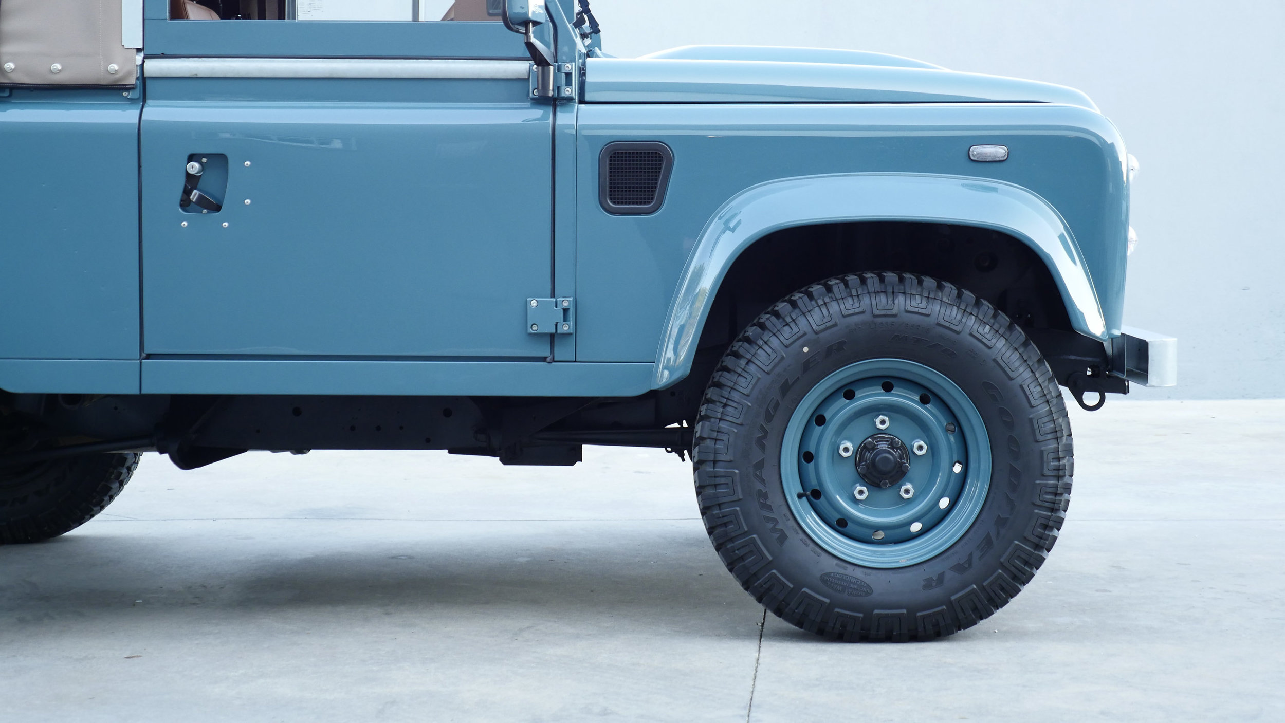 Coolnvntage Land Rover D90 Heritage (58 of 176).jpg