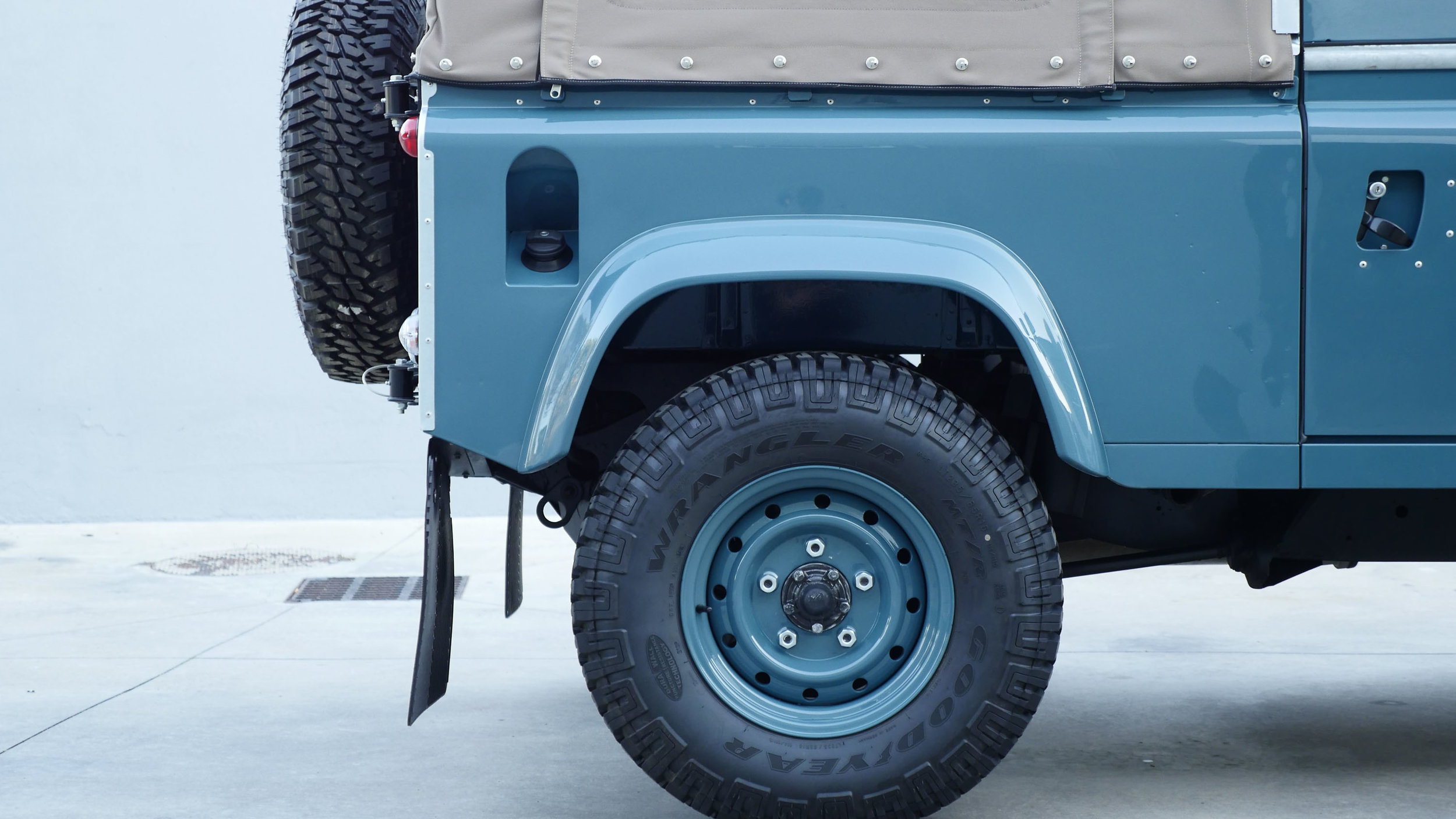 Coolnvntage Land Rover D90 Heritage (60 of 176).jpg