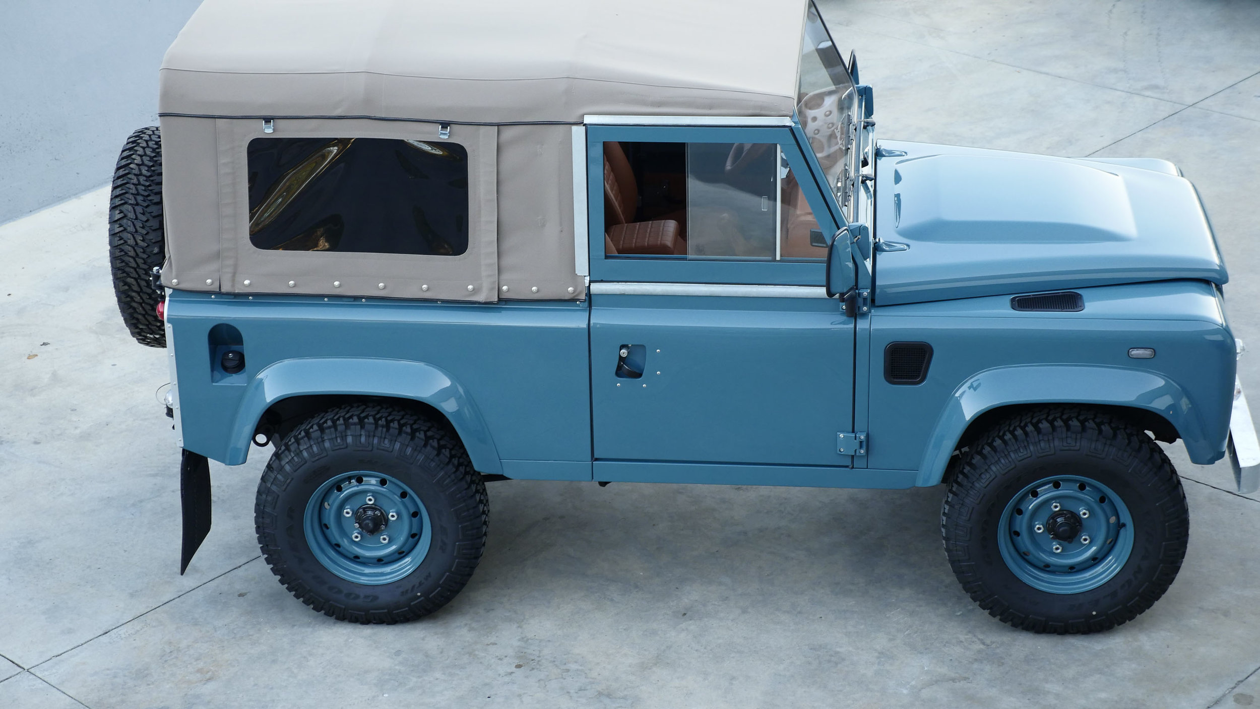 Coolnvntage Land Rover D90 Heritage (125 of 176).jpg