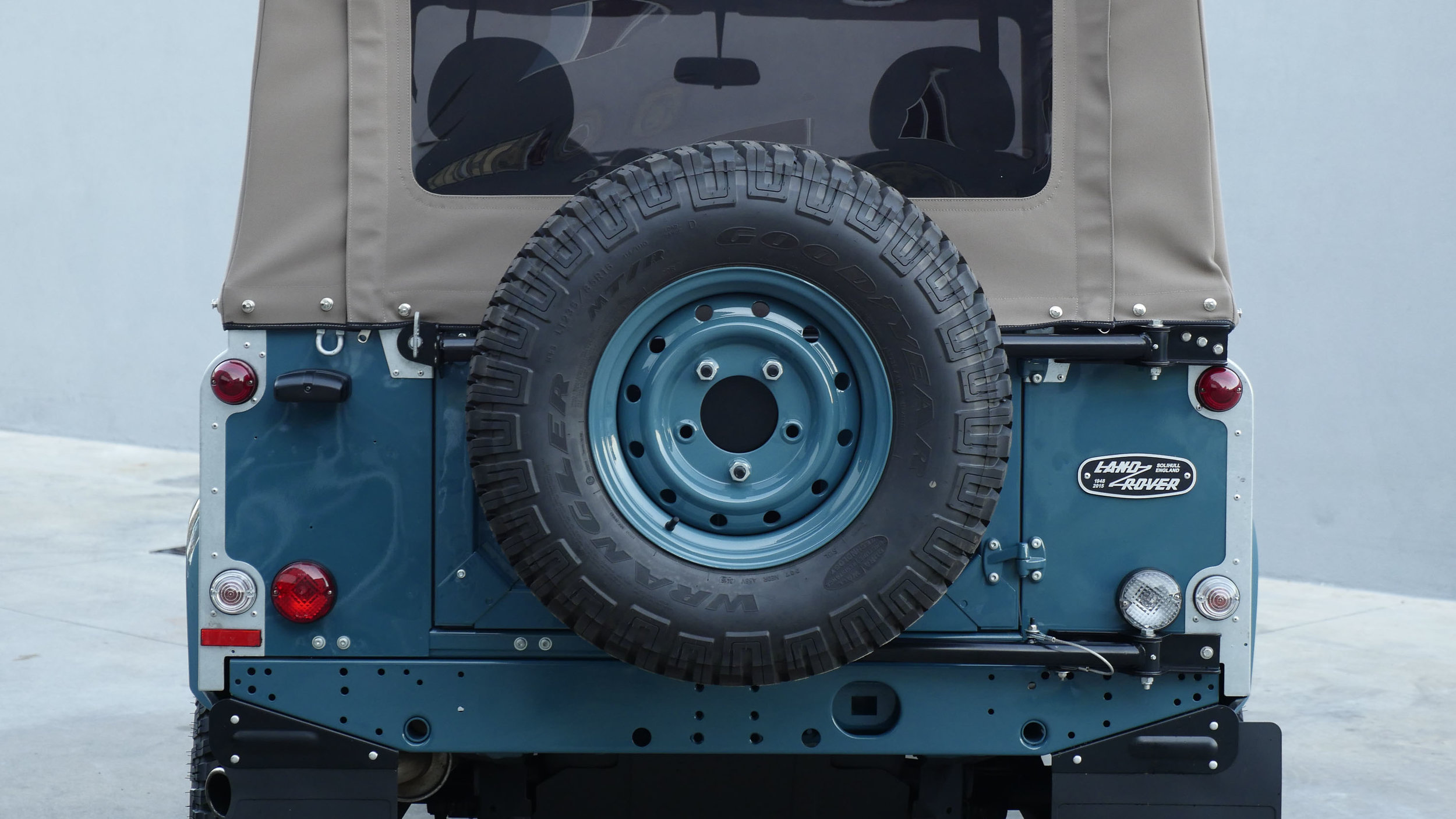Coolnvntage Land Rover D90 Heritage (137 of 176).jpg