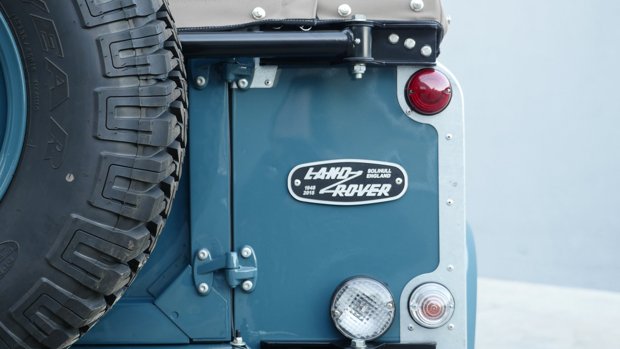 Coolnvntage Land Rover D90 Heritage (139 of 176).jpg