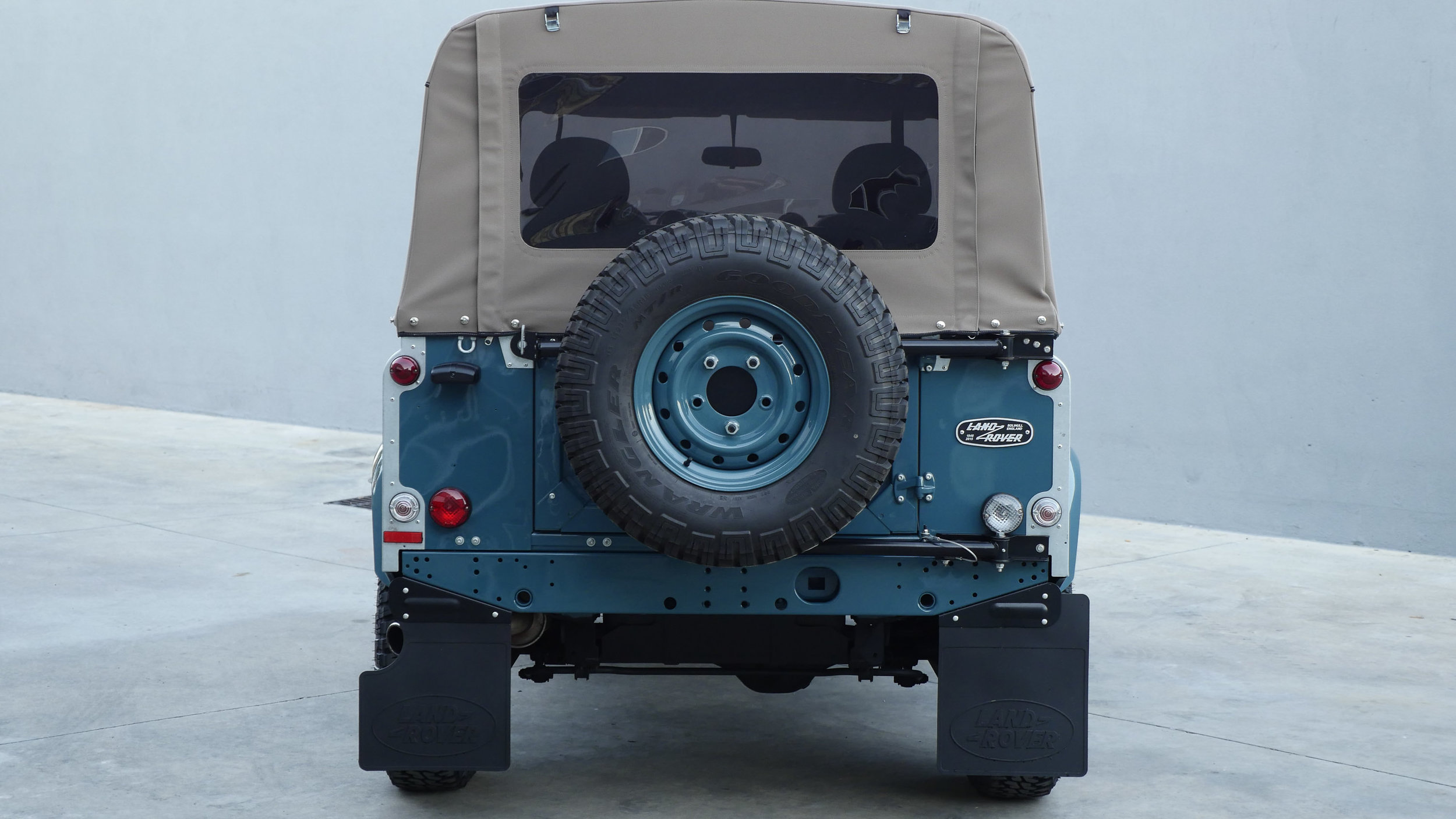 Coolnvntage Land Rover D90 Heritage (145 of 176).jpg