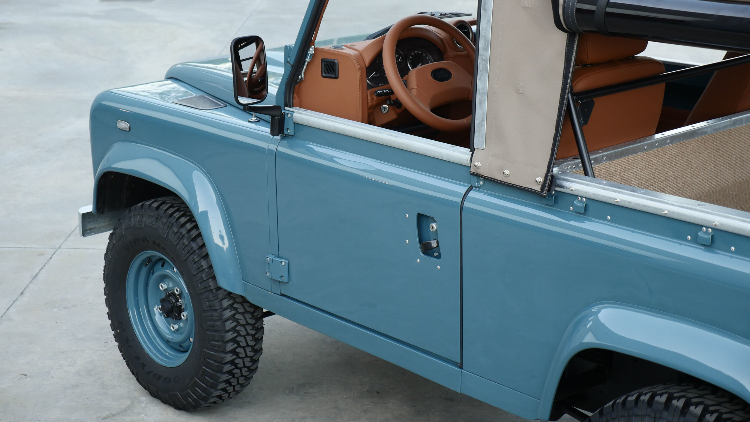 Coolnvntage Land Rover D90 Heritage (174 of 176).jpg