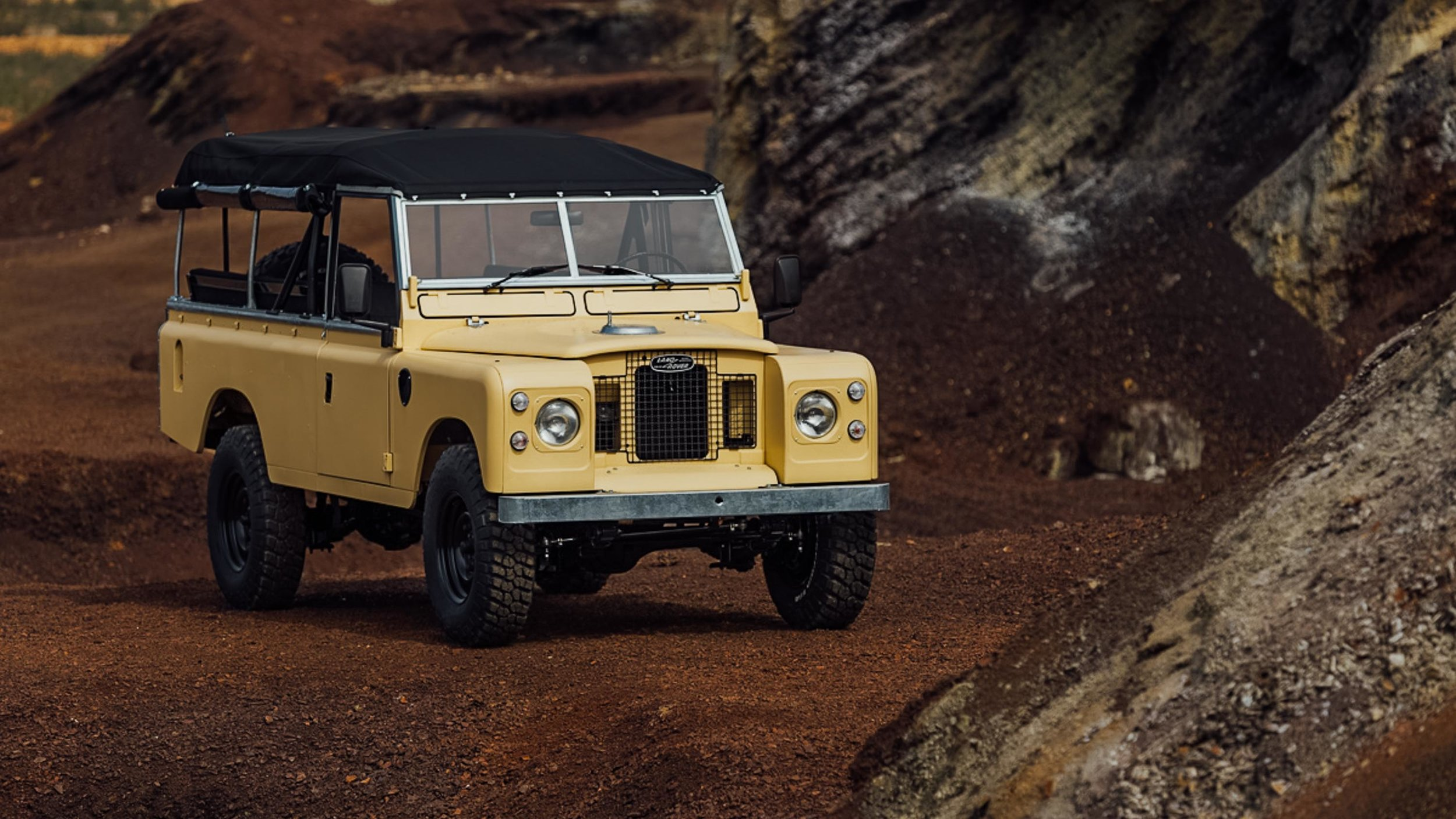coolnvintage Land Rover S3 (184 of 207).jpg