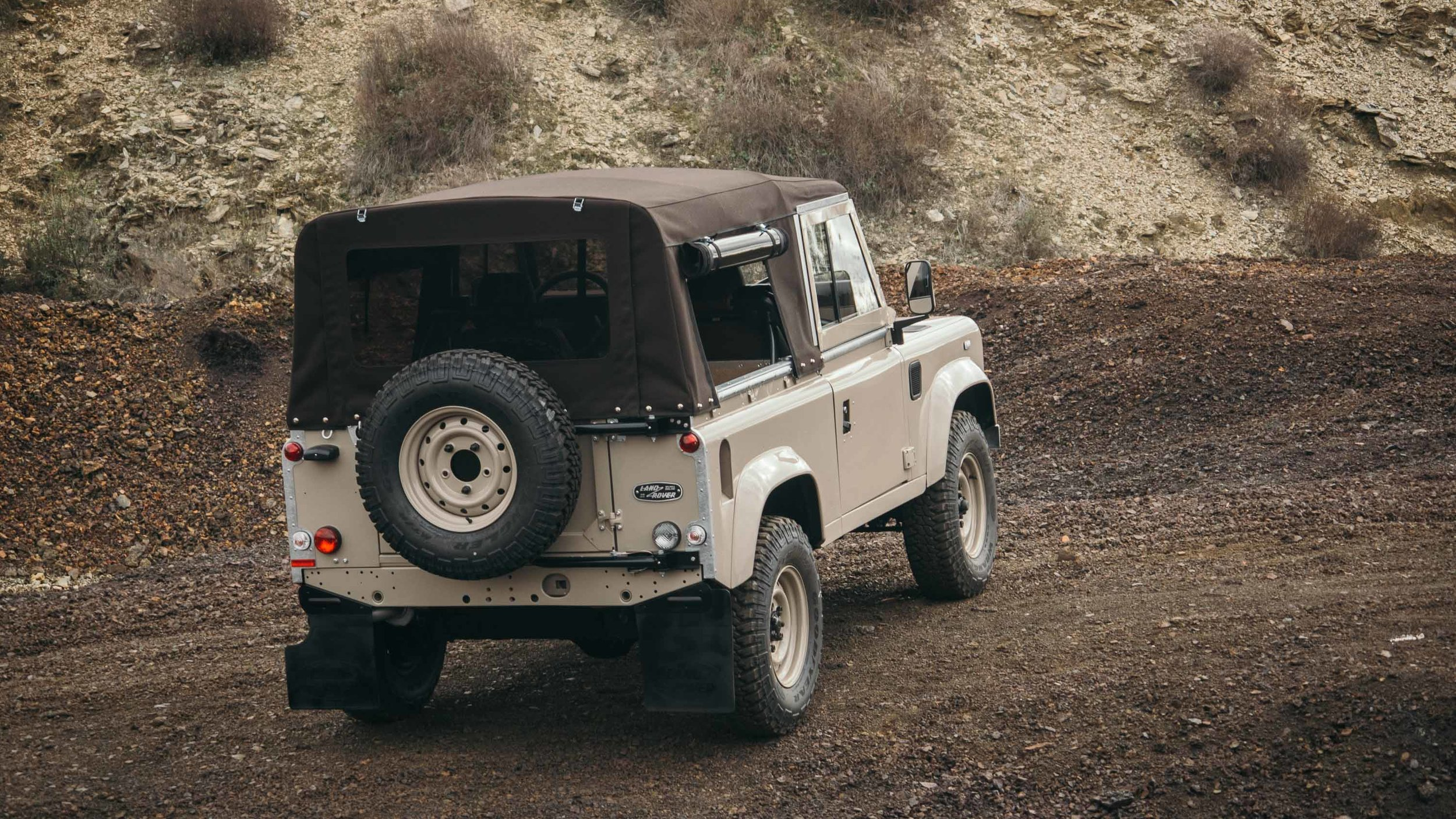coolnvintage Land Rover Defender (79 of 81).jpg