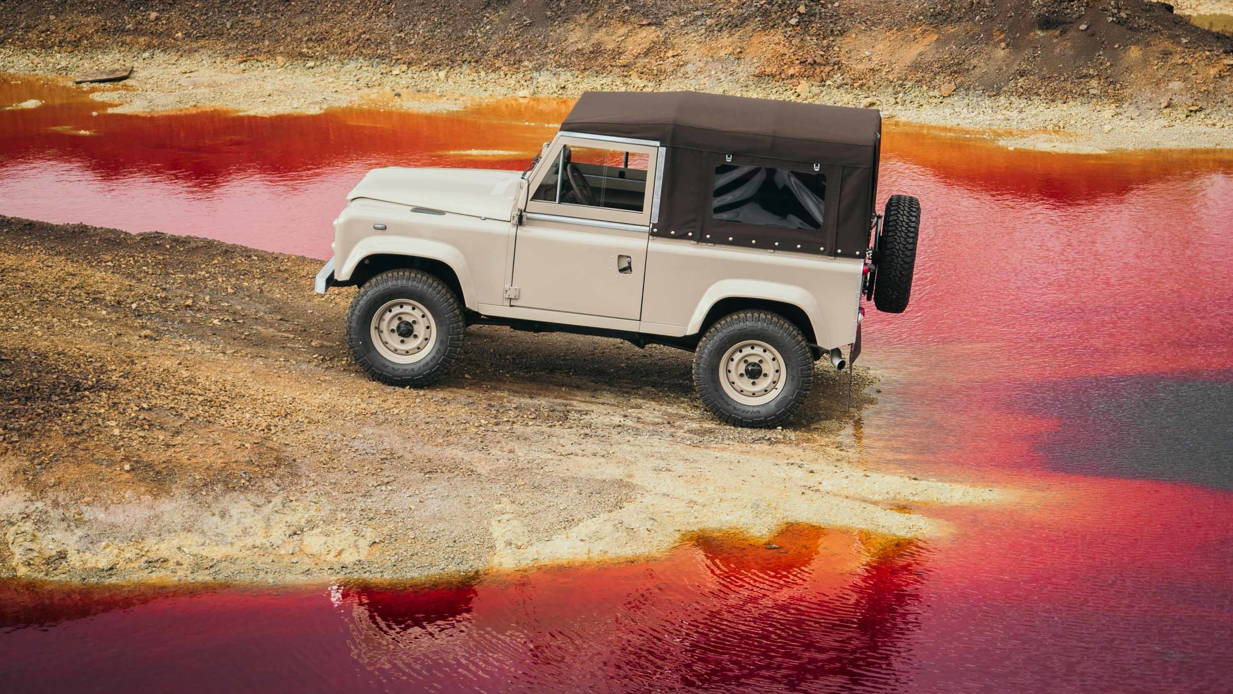coolnvintage Land Rover Defender (78 of 81).jpg