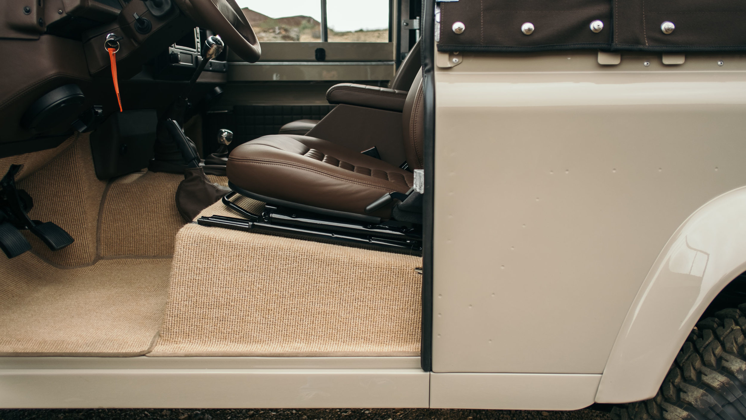 coolnvintage Land Rover Defender (18 of 81).jpg