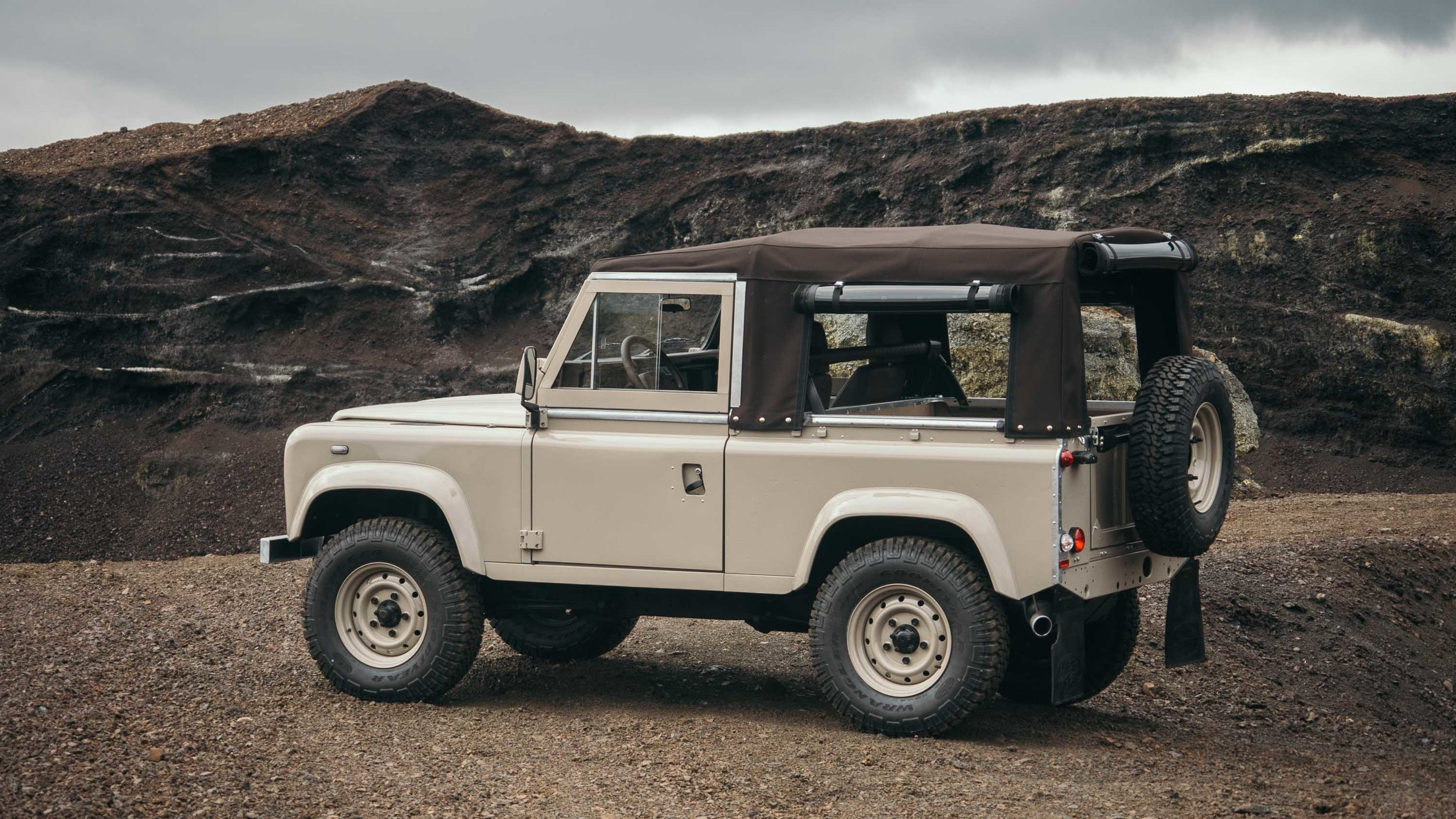 coolnvintage Land Rover Defender (80 of 81).jpg