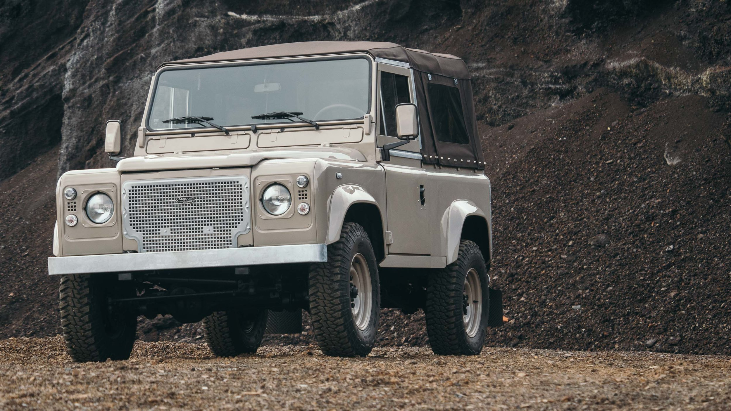 coolnvintage Land Rover Defender (63 of 81).jpg