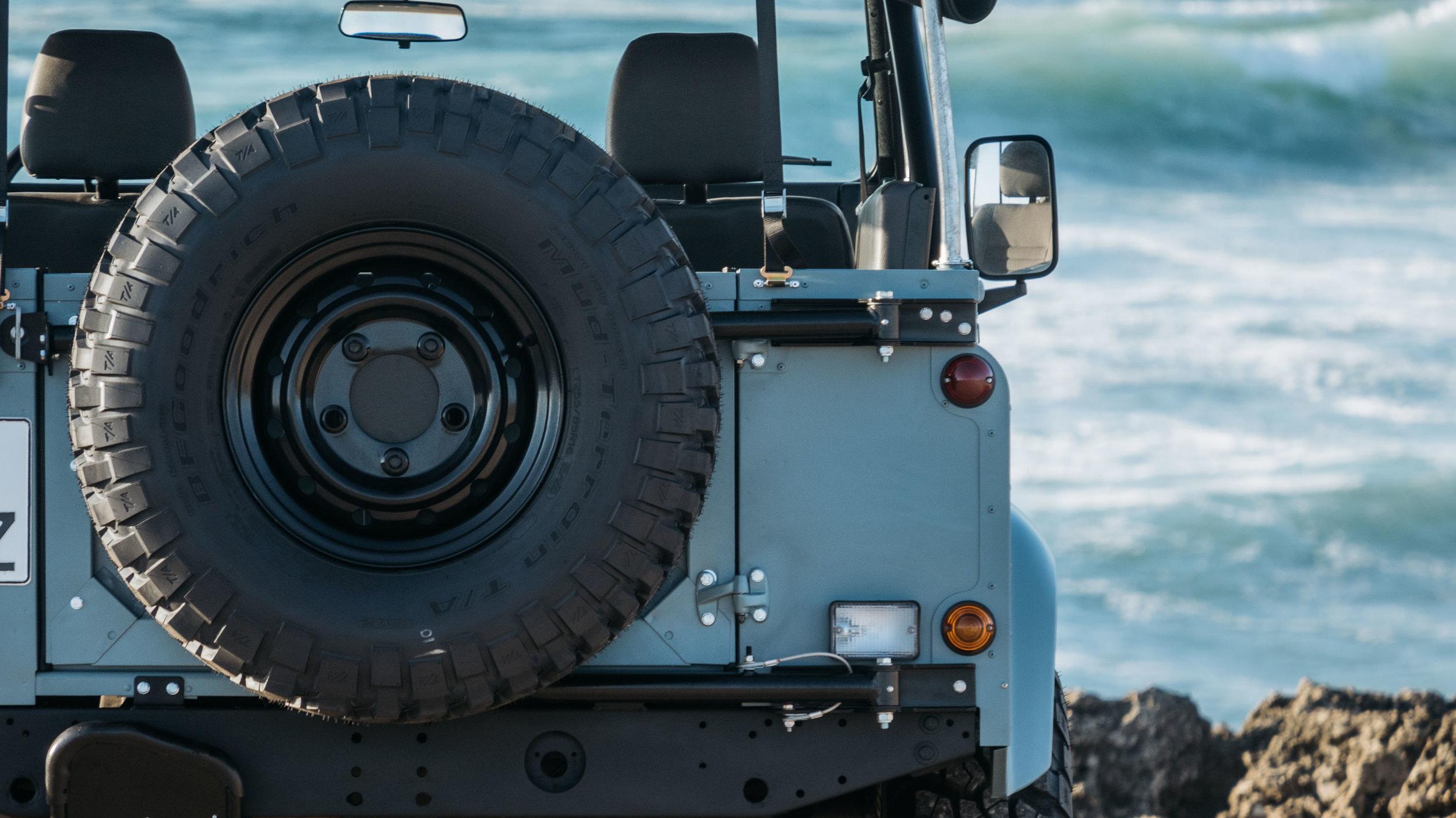 coolnvintage Land Rover Defender (92 of 98).jpg
