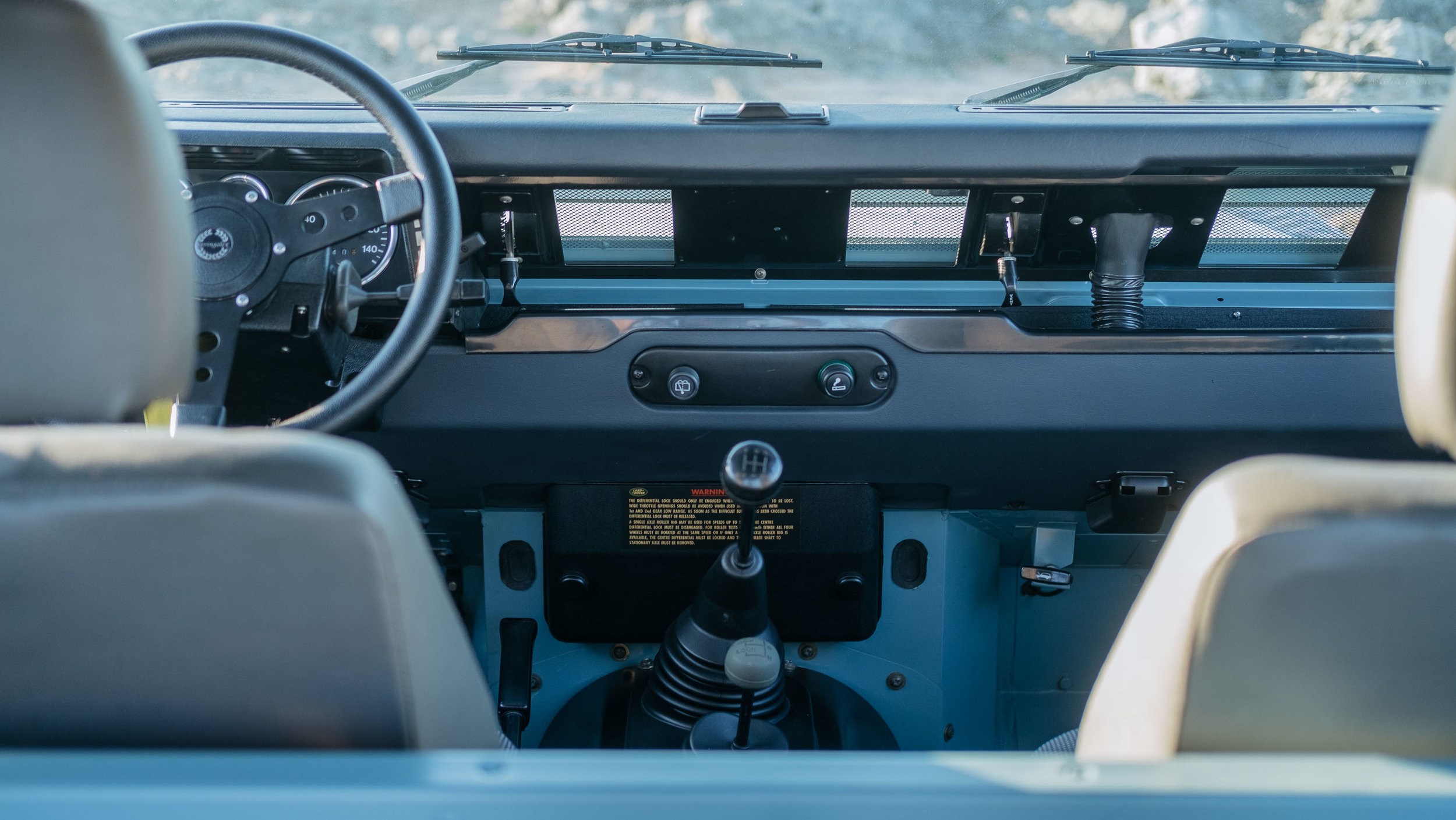 coolnvintage Land Rover Defender (51 of 98).jpg