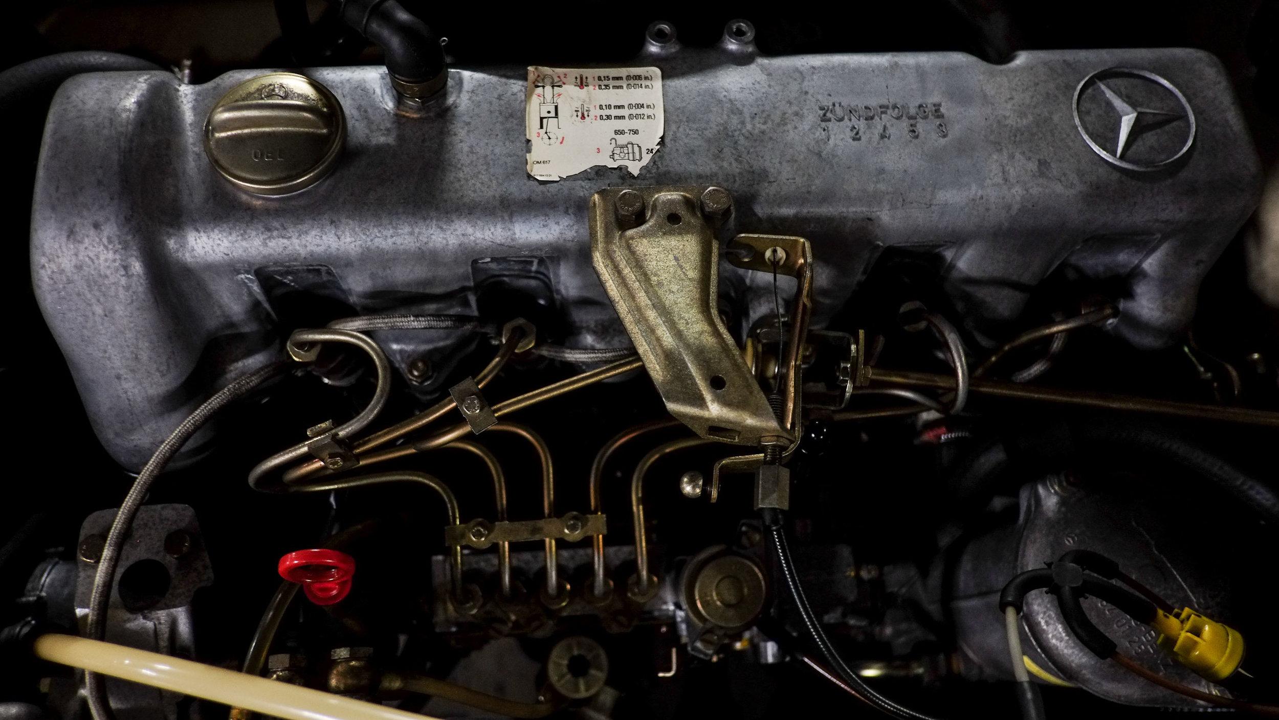 coolnvintage Mercedes-Benz W123 300D (22 of 59).jpg