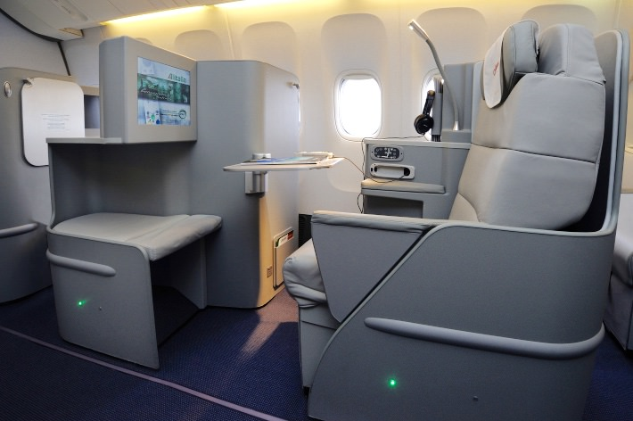Alitalia Seat BC 3_1024.jpg