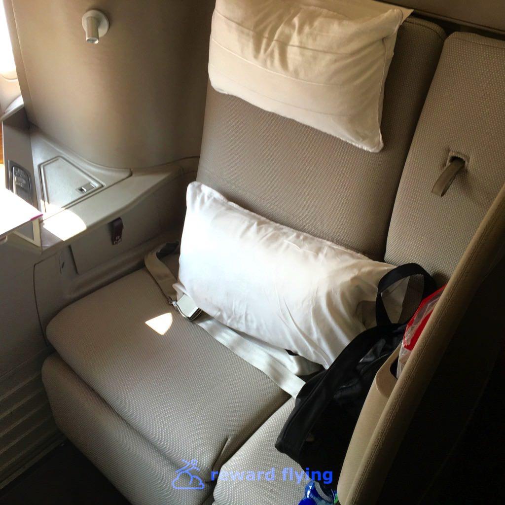 CX HKG-ORD Seat 3.jpg