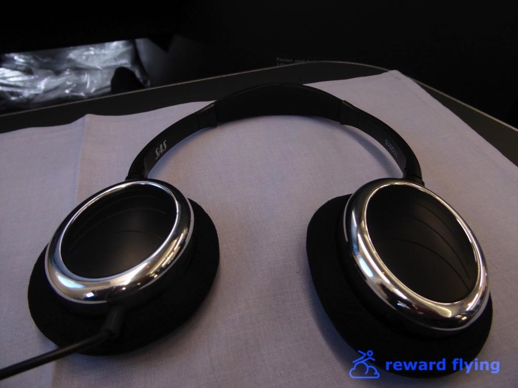 SK995 Amenity Headphones.jpg