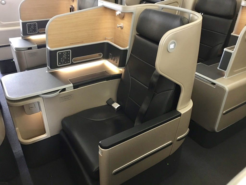 Qantas A330 BC Seat Center [QF444 2].jpg