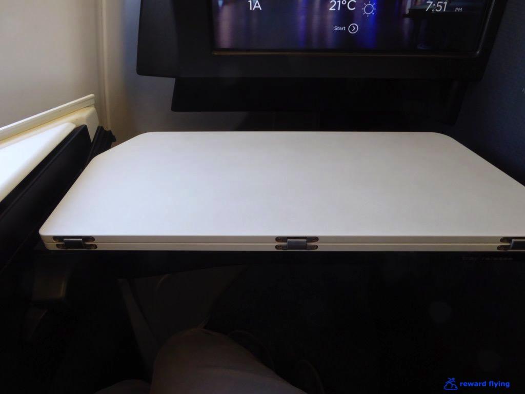 VA694 Seat Acc 9 Tray 2.jpg