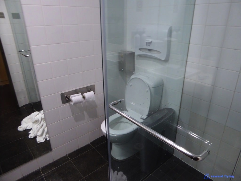 Lounge Shower 2 - QF.jpg