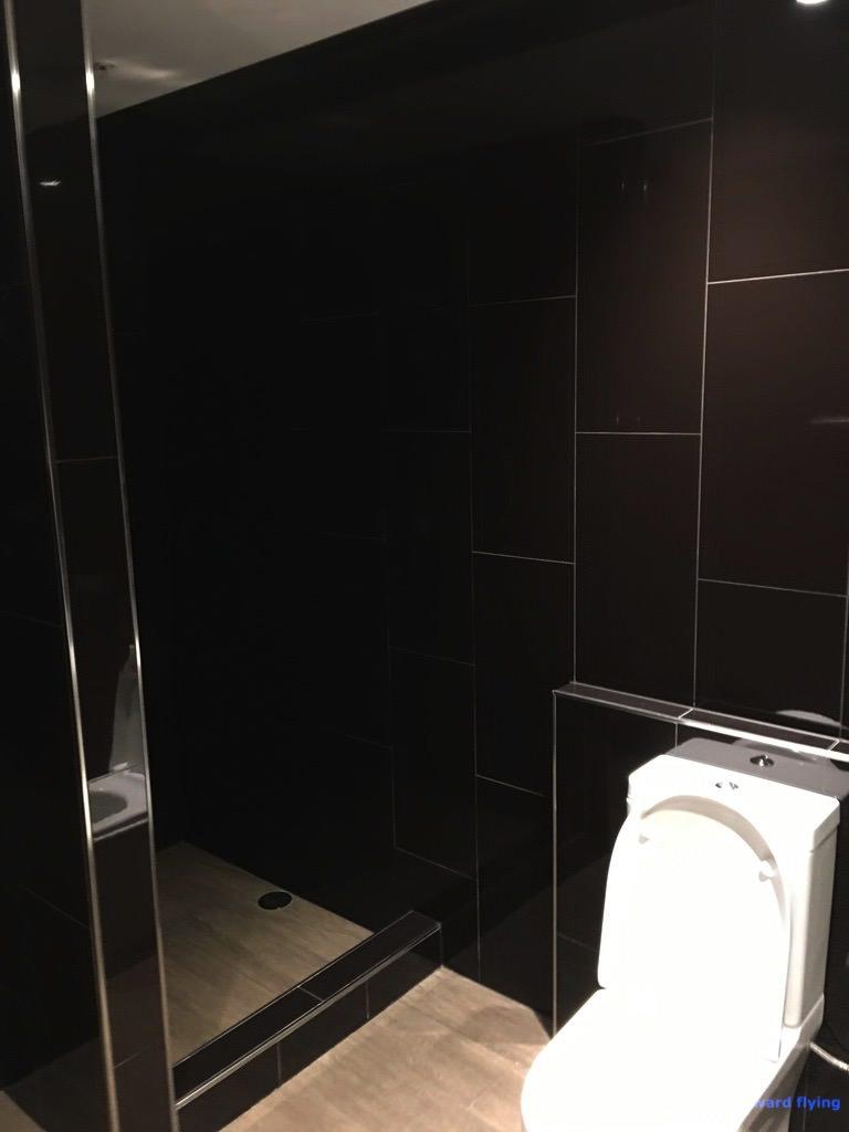 Lounge Shower 2 - VA.jpg