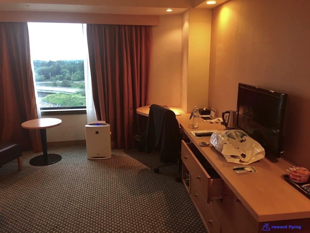 JL749 Hotel 1.jpg