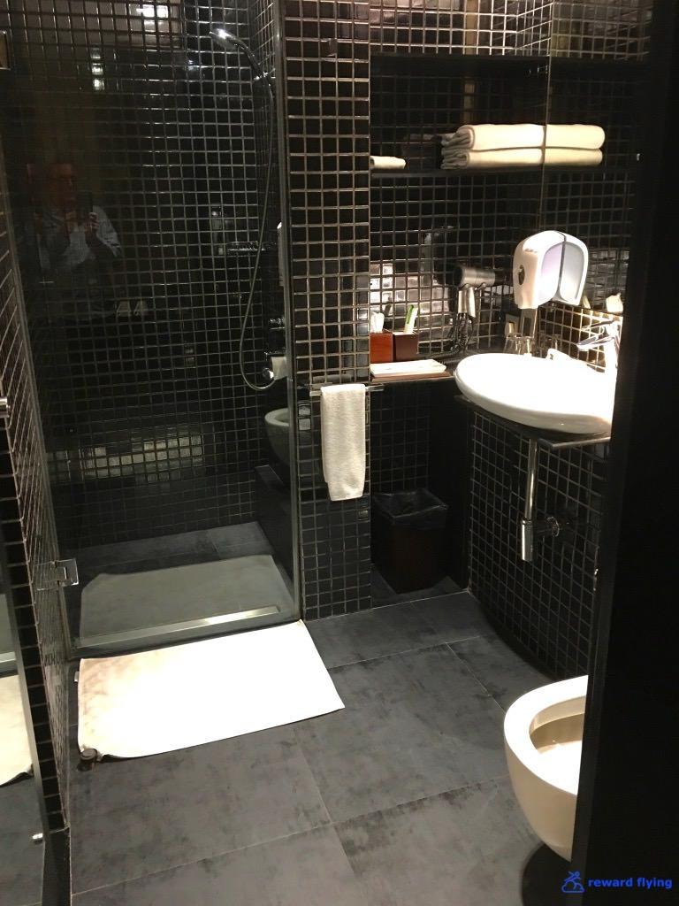 VS301 Hotel 3.jpg